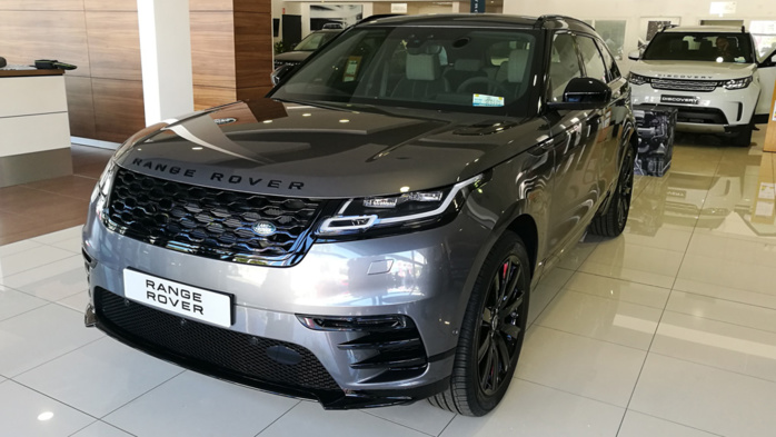un nouveau n chez land rover le velar le suv de luxe. Black Bedroom Furniture Sets. Home Design Ideas