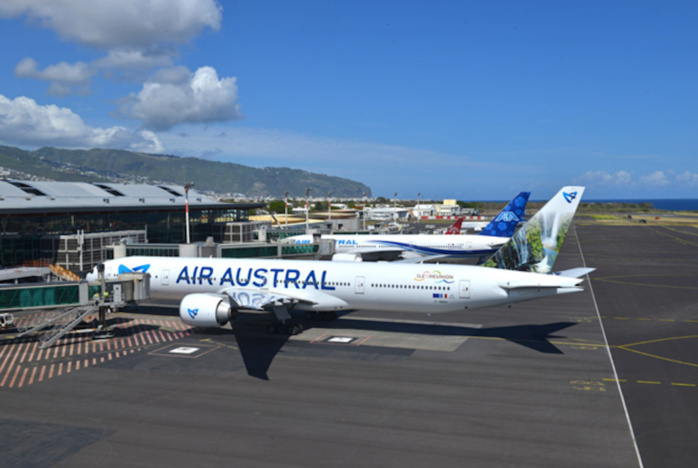 Un avion Air Austral cloué sur la piste