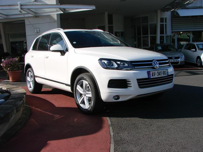 nouveau volkswagen touareg en avant premi re. Black Bedroom Furniture Sets. Home Design Ideas