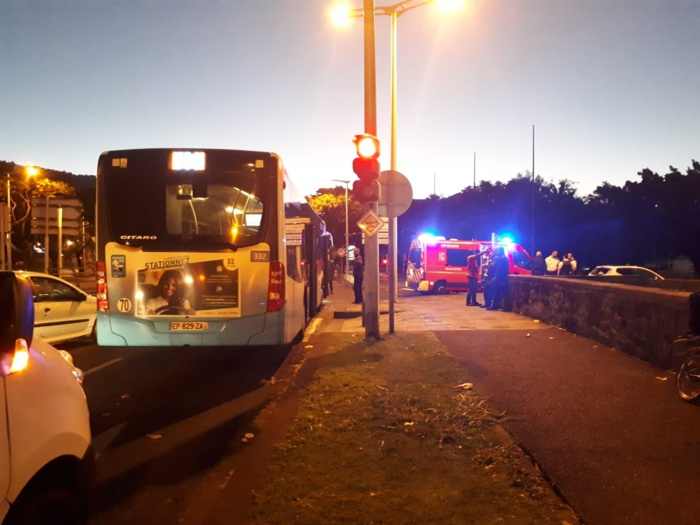 Accident bus Citalis contre voiture sur le boulevard Sud