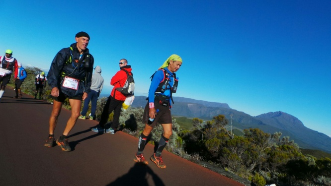 Le Grand Raid en images: Les coureurs au volcan
