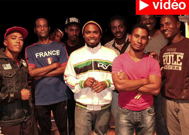 Le Port : Soson', chanteur positif !