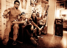 Le groupe de rock alternatif latino Che Sudaka en concert