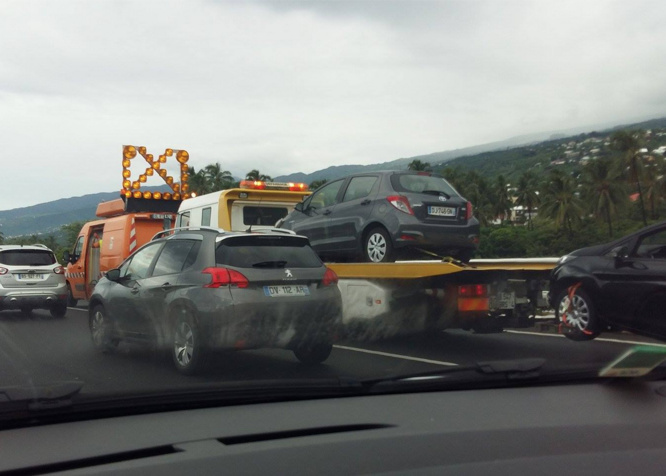 Accidents en série: Gros embouteillages sur la route des Tamarins