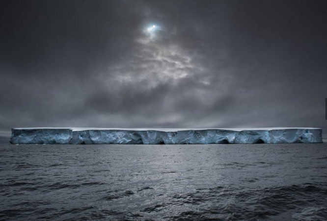 Le vaisseau spatial de Massimo Rumi report, Antarctique (@NationalGeographic)