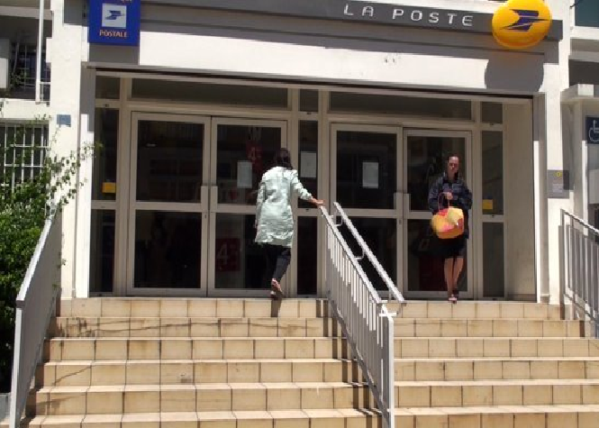 Grève à la Poste : Le centre de tri de Ste-Clotilde paralysé, possible retard dans la distribution du courrier