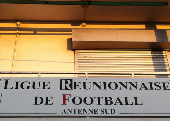Football: La Ligue attend le résultat du recours d'Yves Ethève