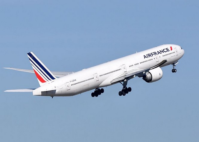 Le vol air france 642 atterrit d 39 urgence aux seychelles for Interieur d avion air france
