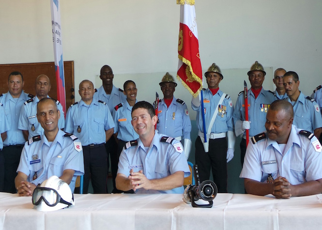 Commandant Ramassamy, colonel Vidot et adjudant-chef Myrtho