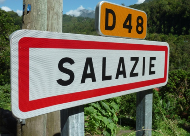 Circulation par alternat sur la route de Salazie